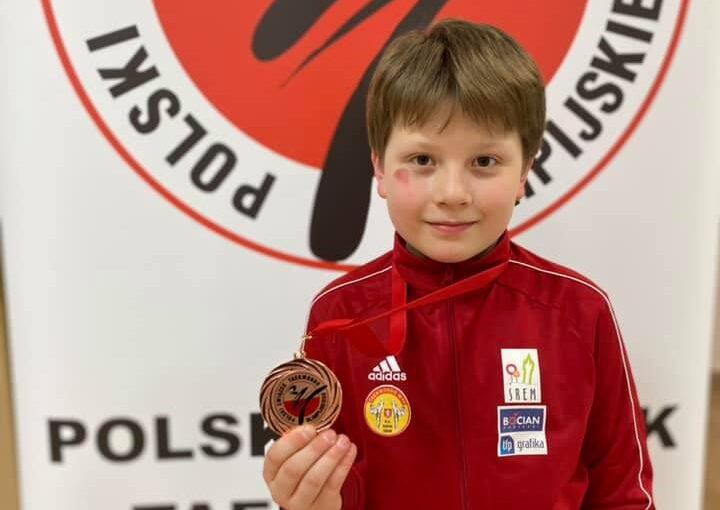 Franciszek z medalem Pucharu Polski Młodzików w Warszawie.